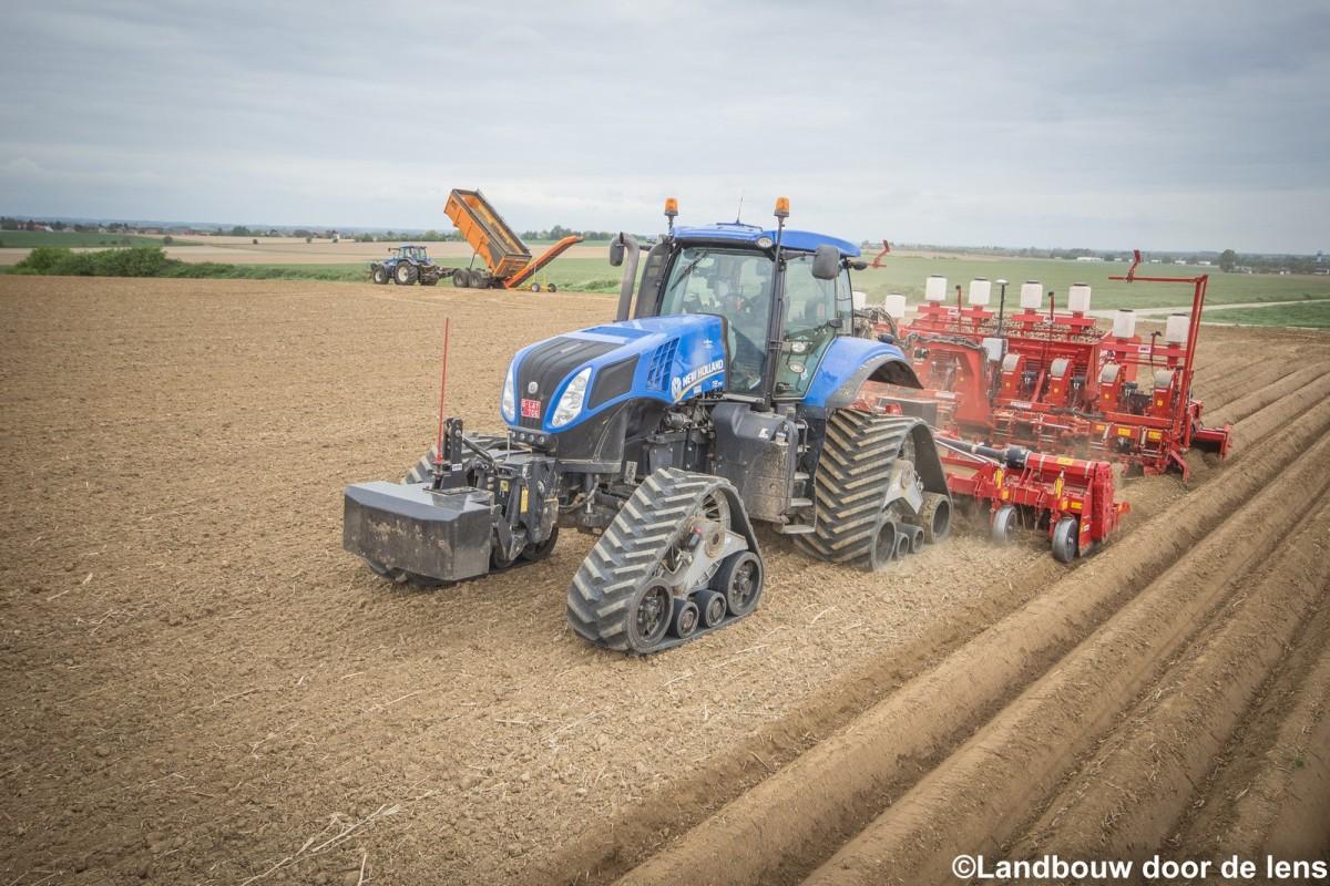 New Holland T8.390 & Grimme GF800 & GL Compacta 860